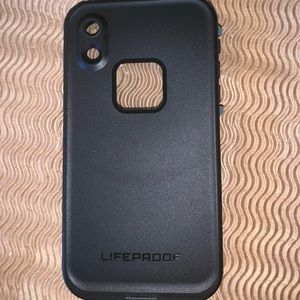 IPHONE XR LifeProof case